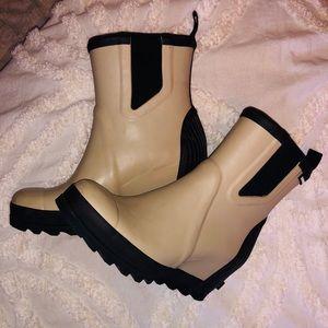 Sorel Joan Wedge Rain boot size 9.5